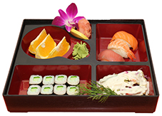 B9. Salát, 3 ks nigiri, 8 ks maki, ovoce - 159 Kč