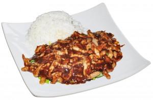 M13. Kuře ve Pekingské omáčce, rýže - 99 Kč
