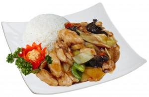 M18. Kuře po Sečuánsku, rýže - 85 Kč