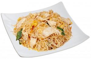M2. Smažené rýžové nudle s kuřecím masem po Thajsku - 89 Kč