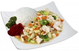 M7. Kuře s mandlemi, rýže - 89 Kč